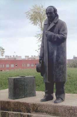 Monumento a Antonio Machado
