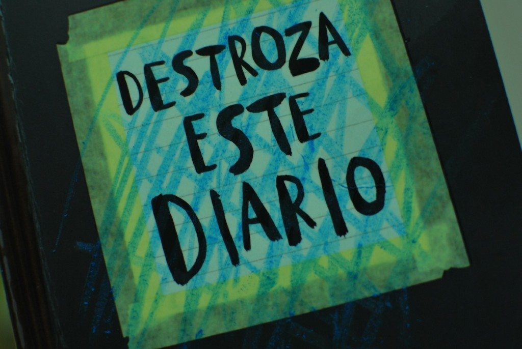 Destroza este diario, muestra 1