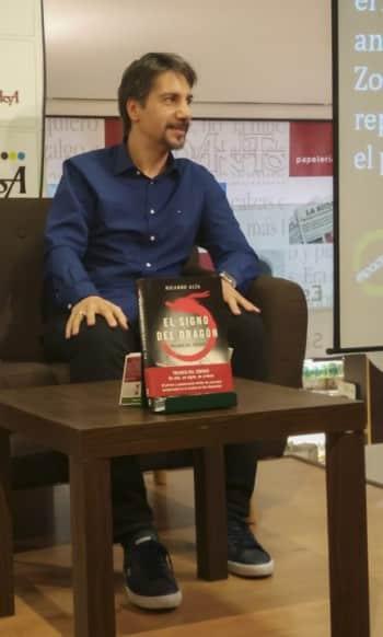 """Entrevista a Ricardo Alía, autor de """"El signo del dragón"""""""