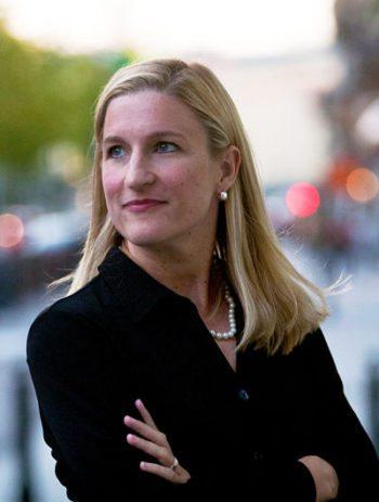 """Entrevista a Ruta Sepetys, autora de """"Lágrimas en el mar"""""""