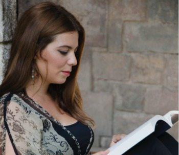 Entrevista a Laura Gomara, profesora de nuestro Curso de Escritura Creativa